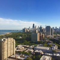 Top floor 3 br / 3 ba penthouse in Lincoln Park